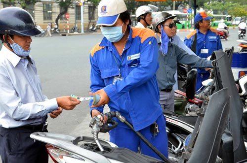 Giá xăng, xăng dầu, giá dầu, dầu thô, Bộ Công Thương, Bộ Tài chính, điều hành