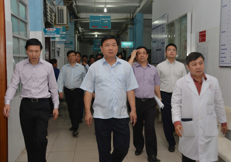 Bí thư Thành ủy TP.HCM, Đinh La Thăng, quá tải bệnh viện, facebook của Bộ trưởng, bộ trưởng y tế Nguyễn Thị Kim Tiến