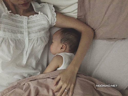 Những hình ảnh hiếm hoi của con trai Tăng Thanh Hà