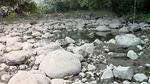 Kỳ bí khe nứt hút khô dòng sông chỉ sau một đêm