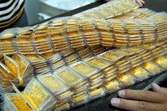Vàng tăng giá mạnh, vẫn thấp hơn thế giới