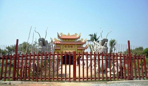 Hoài Linh,nhà thờ tổ của Hoài Linh,nhà thờ tổ của Hoài Linh bị phá dỡ