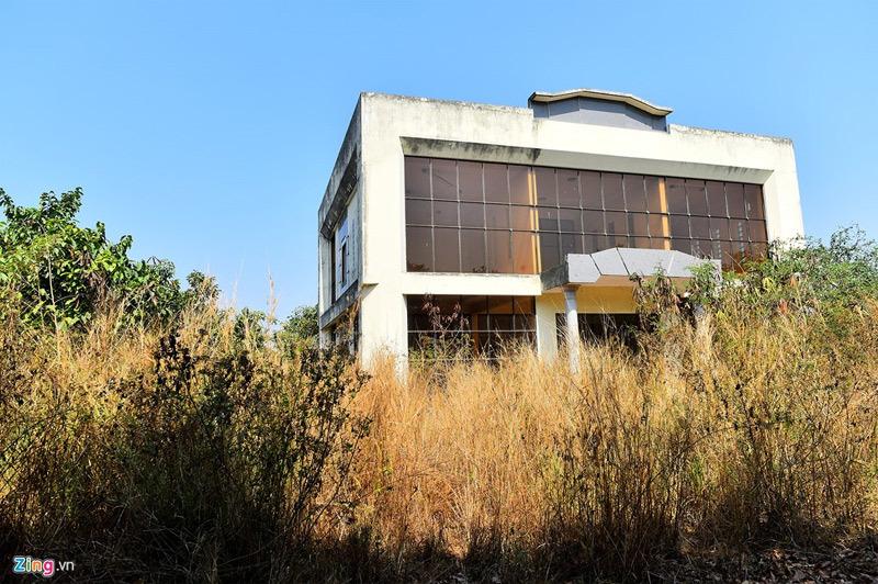 Những căn biệt thự sang trọng bỏ hoang ở Đồng Nai