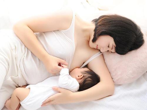 Chiêu chăm sóc 'vùng kín' sau sinh các mẹ cần biết