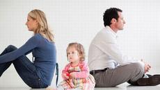 Mới sinh con một tháng chồng đã đòi ly hôn