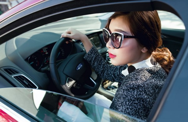 Tuyệt chiêu lái xe cho phái đẹp