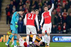 Bão chấn thương quét sạch hàng thủ Arsenal