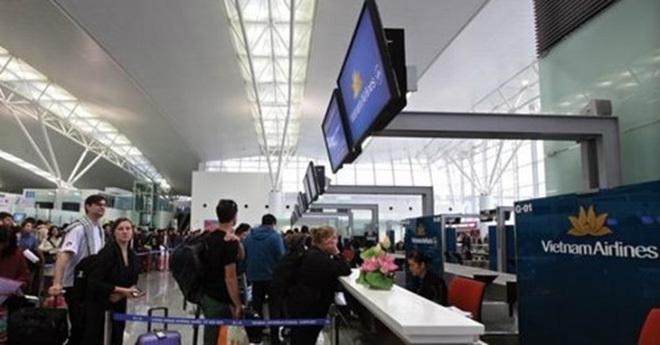 Sếp sân bay Việt Nam nhận lương hơn 100 triệu/tháng
