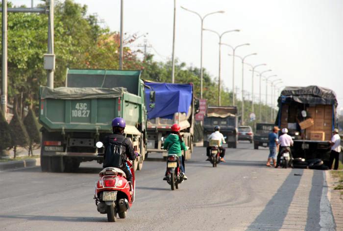 Sau lệnh Bí thư Đà Nẵng, xe ben vẫn chạy rầm rập