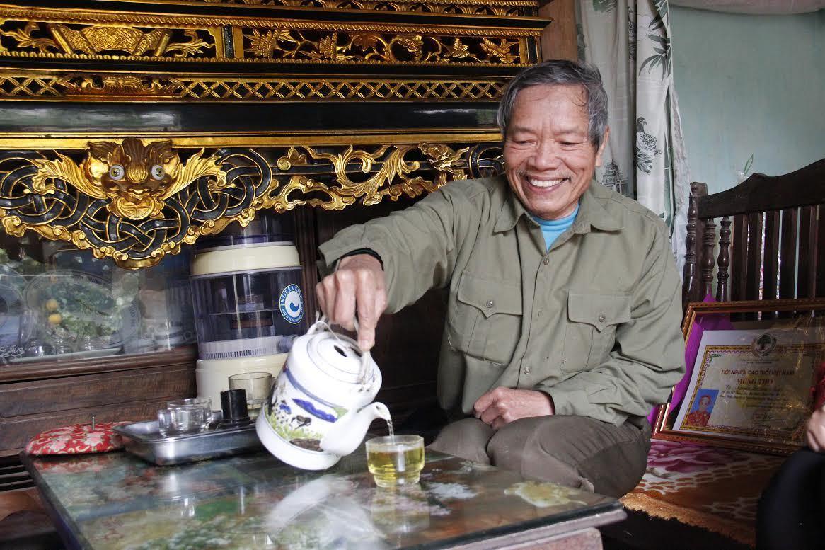 'Cụ' chè 200 tuổi: Tiền tỷ không bán, để uống chơi