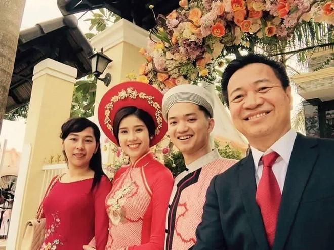 Bí thư TĐ Nguyễn Minh Triết làm đám hỏi với Á hậu Đông Nam Á