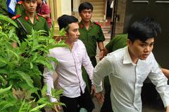 """Cựu tuyển thủ Việt Nam """"rơi nước mắt"""" vì chỉ bị án treo"""