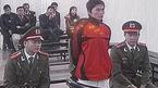 Nguyễn Viết Dũng nhận 12 tháng tù vì gây rối trật tự Hồ Gươm