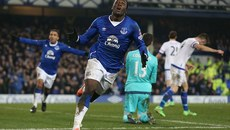 Lukaku giúp Everton đá bay Chelsea khỏi FA Cup