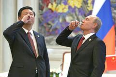 """TQ mai phục, chờ trói nghiến """"bố già"""" Nga"""