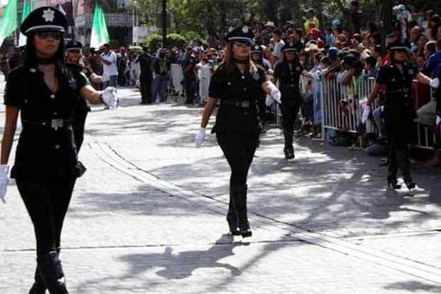 Hình ảnh đội nữ cảnh sát gợi cảm nhất thế giới