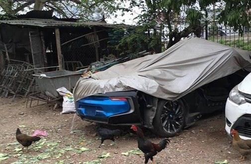 Đại gia Hà Nội vứt xó siêu xe 7 tỉ ở chuồng gà