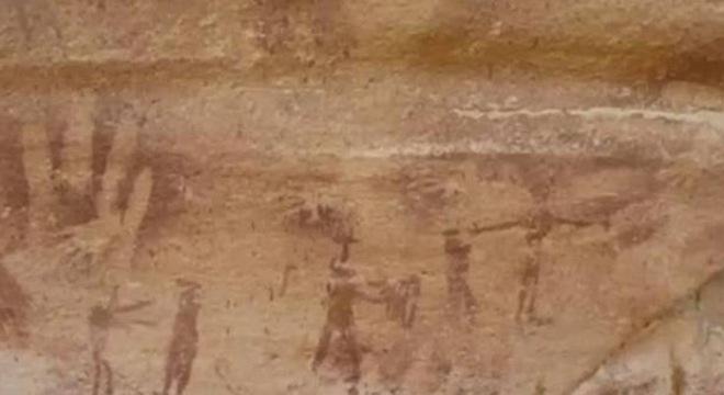 dấu tay 8000 năm, hang động Ai Cập, tay người, thằn lằn