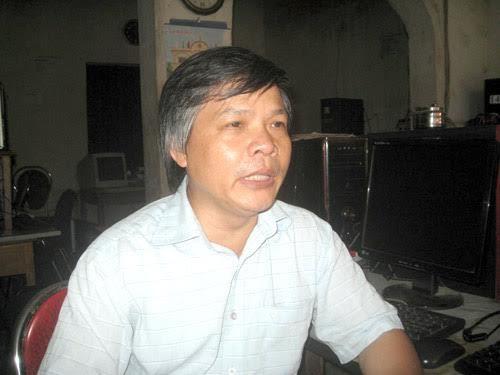 thầy giáo Đỗ Việt Khoa, tự ứng cử