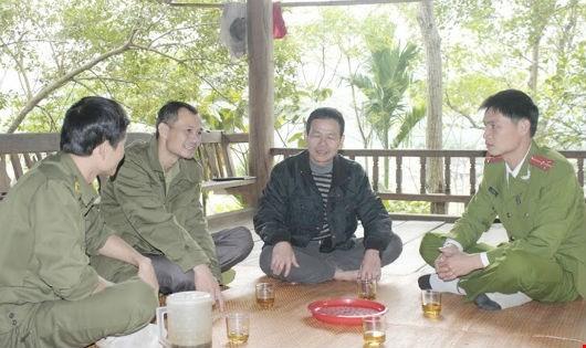 con nghiện, Bí thư chi bộ giỏi, trưởng bản Lô Văn Chung, Quế Phong