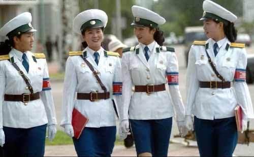 nữ cảnh sát, cảnh sát xinh đẹp, cảnh sát giao thông, cảnh sát Triều Tiên, mỹ phẩm