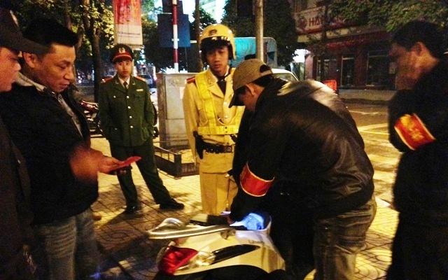 Bị cảnh sát 'sờ gáy' vì lập fanpape 'né' 141 Hà Nội