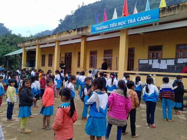 Trường Tiểu học Trà Cang, hiệu trưởng, lương nhà giáo, thầy giáo trẻ, giáo dục vùng cao