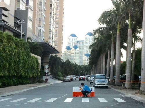 Hàng độc Sài Gòn: 10 tỷ không mua nổi 1 chỗ đậu xe