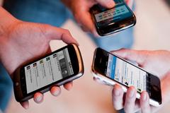 Yêu cầu nhà mạng báo cáo về khuyến mại, gói cước, thẻ nạp