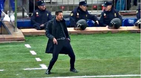 Học trò chiến PSV, Simeone