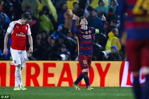 Video: MNS tỏa sáng, Barca hiên ngang vào tứ kết
