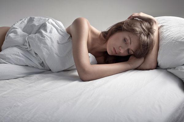 Đêm tân hôn, tôi bị chồng tát và đuổi ra khỏi phòng
