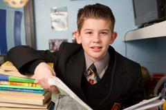 IQ cao hơn Einstein, nam sinh 11 tuổi mơ thành cầu thủ