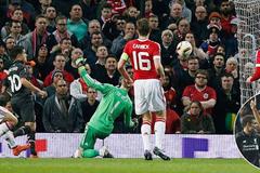 Liverpool đá bay MU ra khỏi Europa League