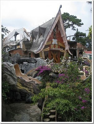 crazy House, ngôi nhà quái dị, nhà ma Đà Lạt, biệt thự Hằng Nga, ngôi nhà ma