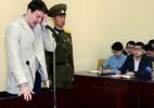 Video sinh viên Mỹ dám tháo biểu ngữ ở Triều Tiên