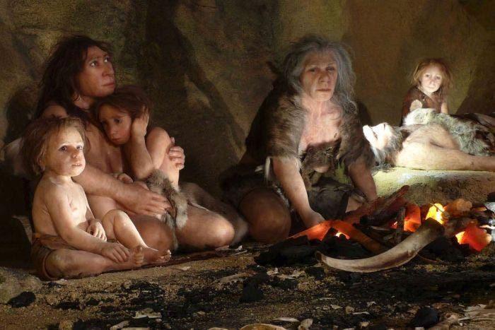 Neanderthal, Trái đất, người tinh khôn, quan hệ ngoài luồng
