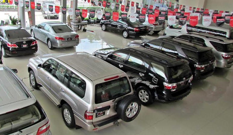 Tiền đẻ ra tiền: Mua ô tô ôm nợ, lỗ nặng