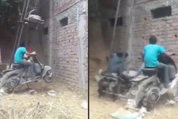 Dùng xe máy 'sang chảnh' làm cần trục chuyển gạch