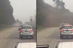 Loạt ô tô suýt bị 'chôn sống' bên sườn núi