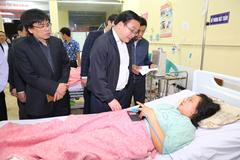 Bí thư Hà Nội thăm hỏi nạn nhân vụ nổ Văn Phú
