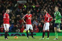 Derby Manchester: Van Gaal, ông phá giỏi lắm!