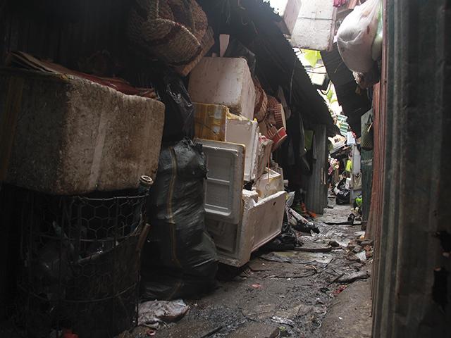 Kinh hãi 'bom nổ chậm' phế liệu giữa Thủ đô