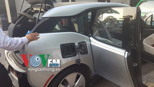 Xe hơi điện đầu tiên lăn bánh ở Việt Nam