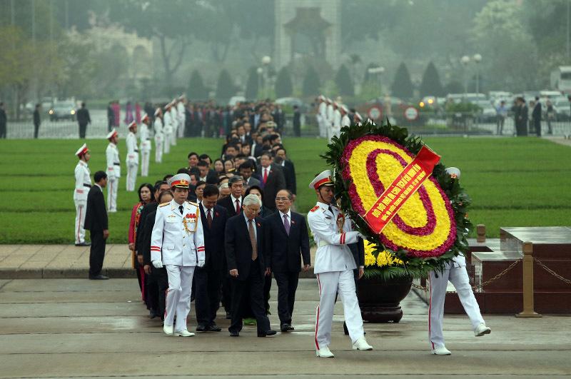 Viếng lăng Bác, lãnh đạo đảng, nhà nước