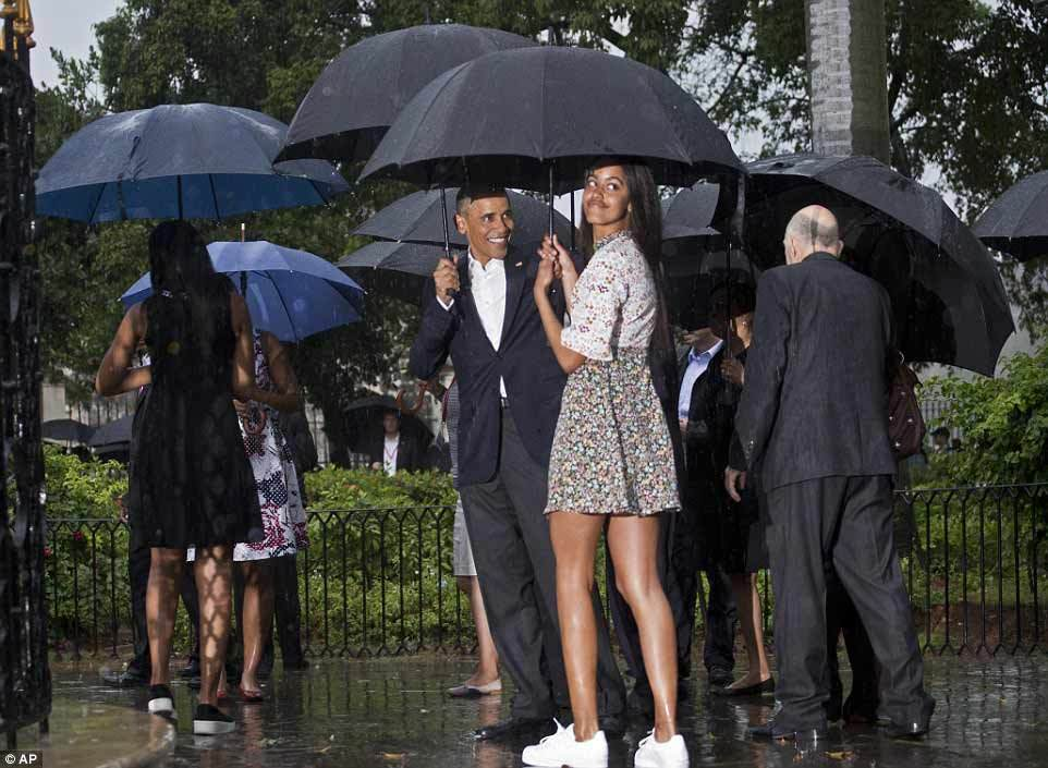 Obama đội mưa thăm Havana