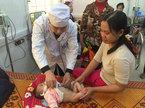 Thời tiết ẩm ướt, nhiều trẻ nhập viện vì bệnh hô hấp