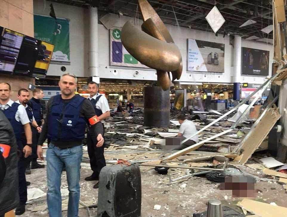 Hình ảnh hàng loạt vụ nổ giữa thủ đô Bỉ