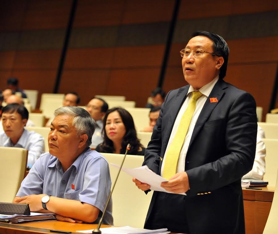 Kỷ niệm nghị trường của phó chủ tịch tỉnh không ngại chất vấn