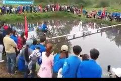 Cười đau ruột với màn thi đi xe đạp qua cầu khỉ ở Nghệ An